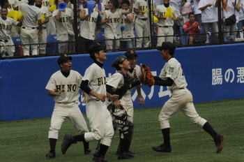準決勝 高校野球 西東京 連写です